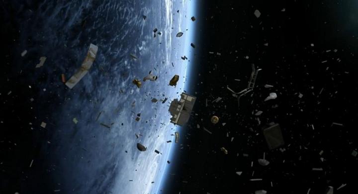 spacejunk3-960x623